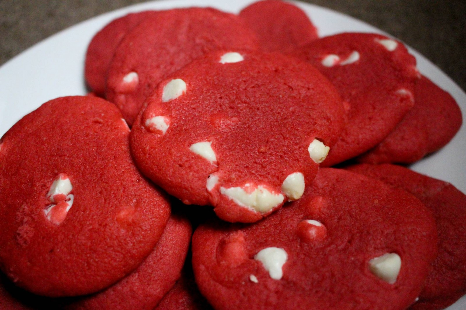 Valentine's Day Treats: White Chocolate Chip Cookies